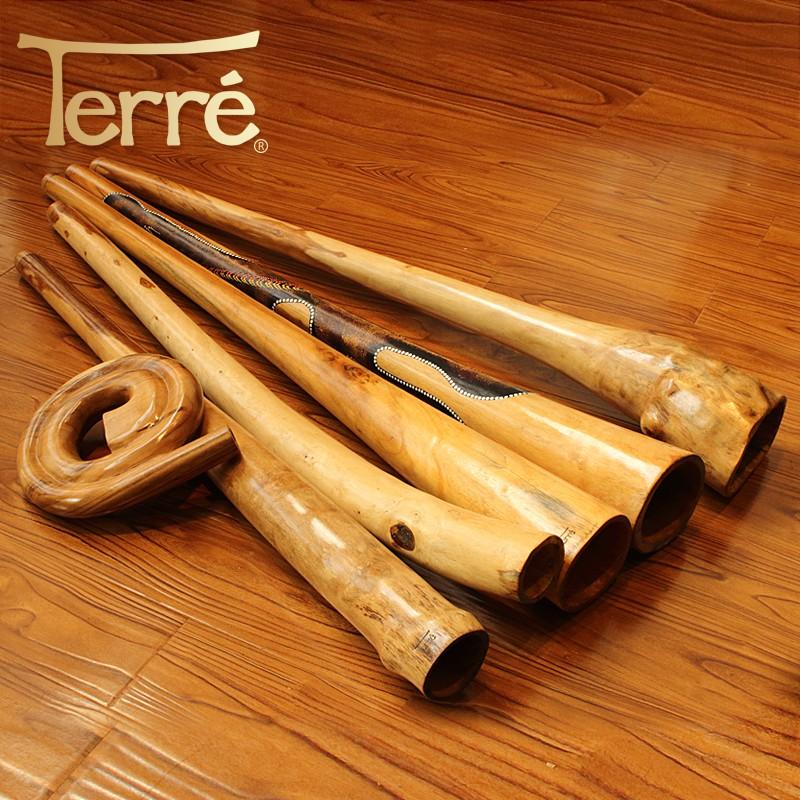 derre di ri do หลอดเก่าบนไม้เล่นระดับ didgeridoo indonesia