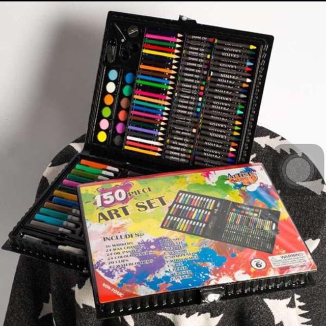 Hộp màu 150 màu (Tặng5) 1xí muội +2 Kẹo dẻo +2 hộp kẹo vitaminC