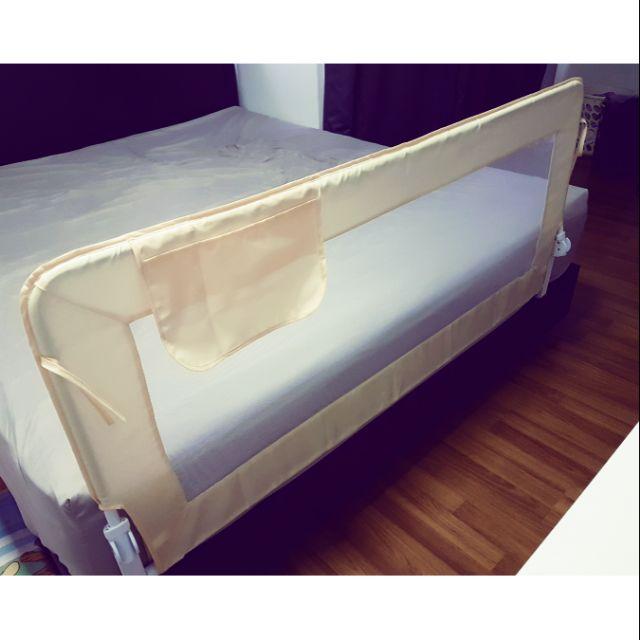 กั้นเตียง กันเด็กตกเตียง (แบบพับ) 1.5 เมตร