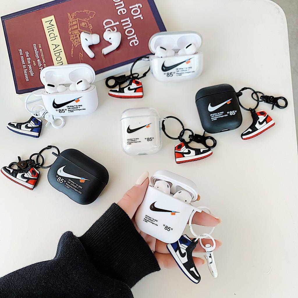 Vỏ Bảo Vệ Hộp Sạc Tai Nghe Airpods 1 / 2 / Pro Với Móc Khóa Hình Giày AJ
