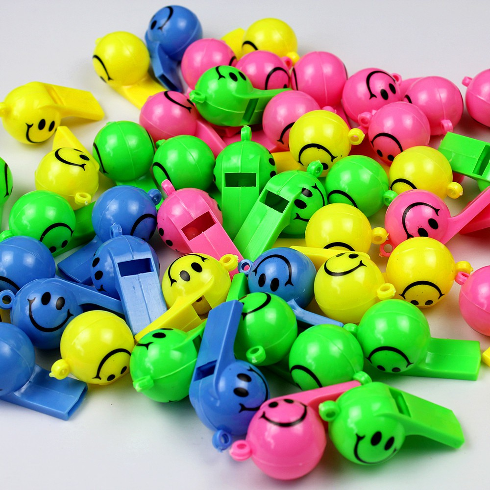 Lin Fang 4g smile face whistle plastic toy party activities cheerleader whistle cheering props fuel whistle