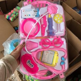 Bộ đồ dùng bác sĩ cho bé nhiều phụ kiện kèm vali đựng an toàn cho bé (2 màu) thumbnail