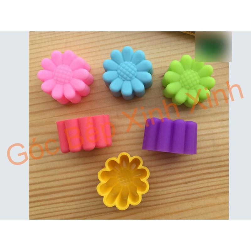 Set khuôn silicon hoa cúc lớn nhỏ làm socola thạch kẹo rau câu Thái 3cm 5cm - 2767404 , 772640690 , 322_772640690 , 25000 , Set-khuon-silicon-hoa-cuc-lon-nho-lam-socola-thach-keo-rau-cau-Thai-3cm-5cm-322_772640690 , shopee.vn , Set khuôn silicon hoa cúc lớn nhỏ làm socola thạch kẹo rau câu Thái 3cm 5cm