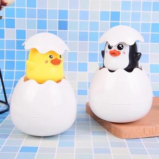 Trứng vịt nở dưới nước – đồ chơi phòng tắm cho bé