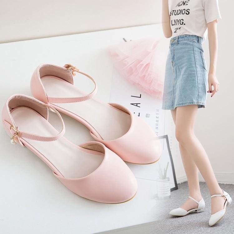 รองเท้าแตะส้นเตี้ยเป่าโถวใหม่เล็กหวานสด ๆ กับตุ๊กตานักเรียน short 淑女鞋少女