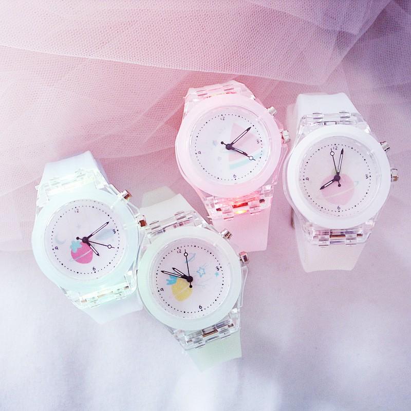 Đồng hồ điện tử cho trẻ em dây cao su đèn nhiều màu cao cấp