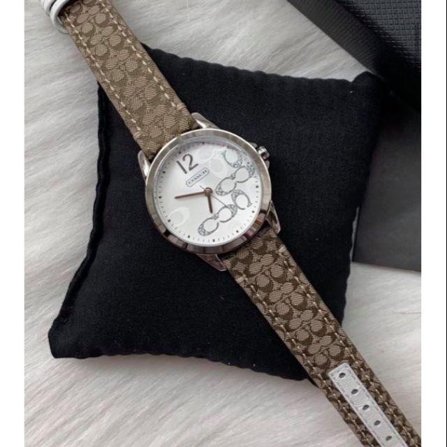 🎀นาฬิกาสายหนัง สีนำ้ตาล หน้าปัด สีขาว ขนาด 32มิล Coach Womens 14501620 Classic Signature Strap Silver Dial Watch