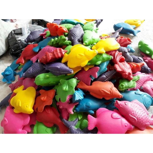 Bán buôn cá nhựa cân cho khu vui chơi