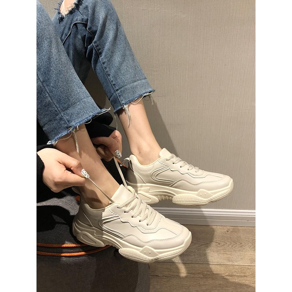【จัดส่งฟรี】่เกาหลีป่าฮาราจูกุลมเครือข่ายสีแดงรองเท้ากีฬาลำลองรองเท้าผู้หญิงออลจัง