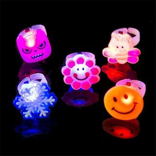 Nhẫn đồ chơi chiếu đèn LED hình hoạt hình xinh xắn thumbnail