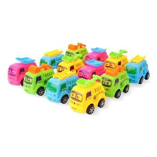 Xe nhựa đồ chơi