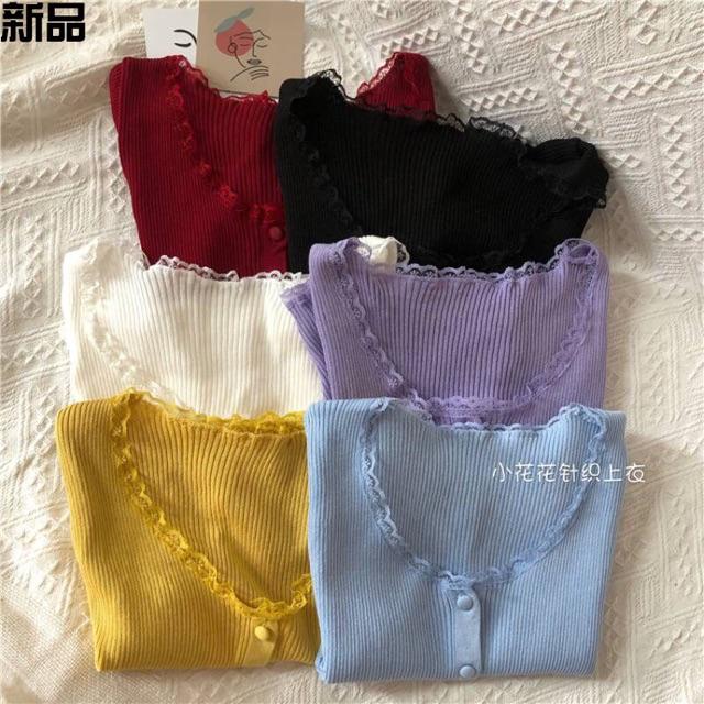 Áo len mông cộc tay pha viền ren kiểu khuy (cúc) bọc (3782#)