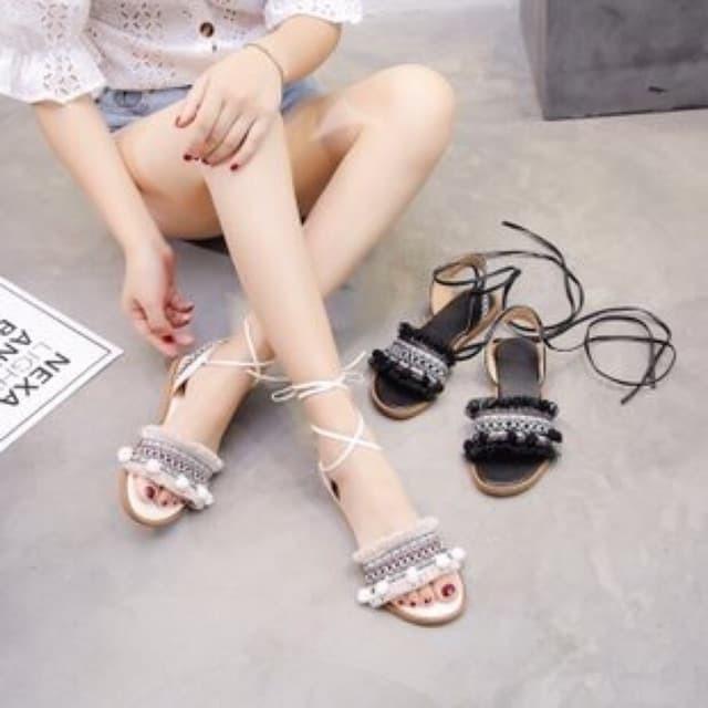 Giày sandal cột dây chiến binh thổ cẩm - 22304074 , 2146929609 , 322_2146929609 , 195000 , Giay-sandal-cot-day-chien-binh-tho-cam-322_2146929609 , shopee.vn , Giày sandal cột dây chiến binh thổ cẩm