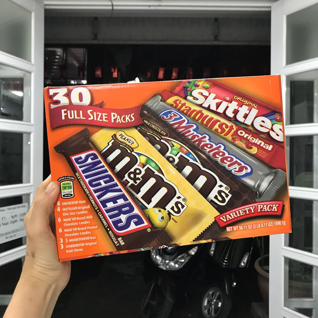 Socola tổng hợp 30 Full Size Packs (M&M, Snickers, Musketeers, Starburst, Skittles)