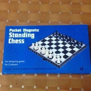 Bộ cờ vua nam châm bỏ túi – Pocket magnetic Standing chess