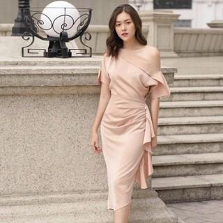 JANGMI – V311 Váy thiết kế 2 lớp lệch vai bèo sườn đính trai cực sang Đẹp