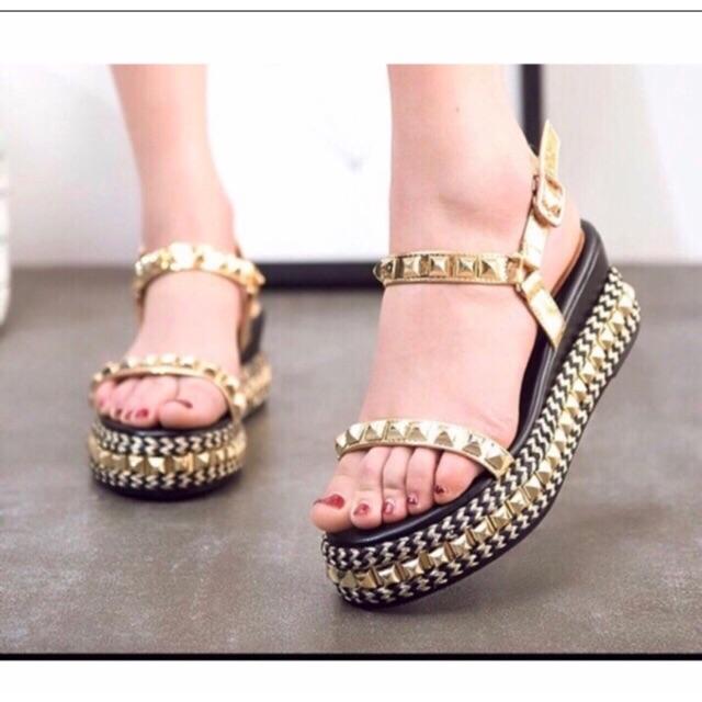 Sandal loại 2 quai và 1 quai đế xuồng