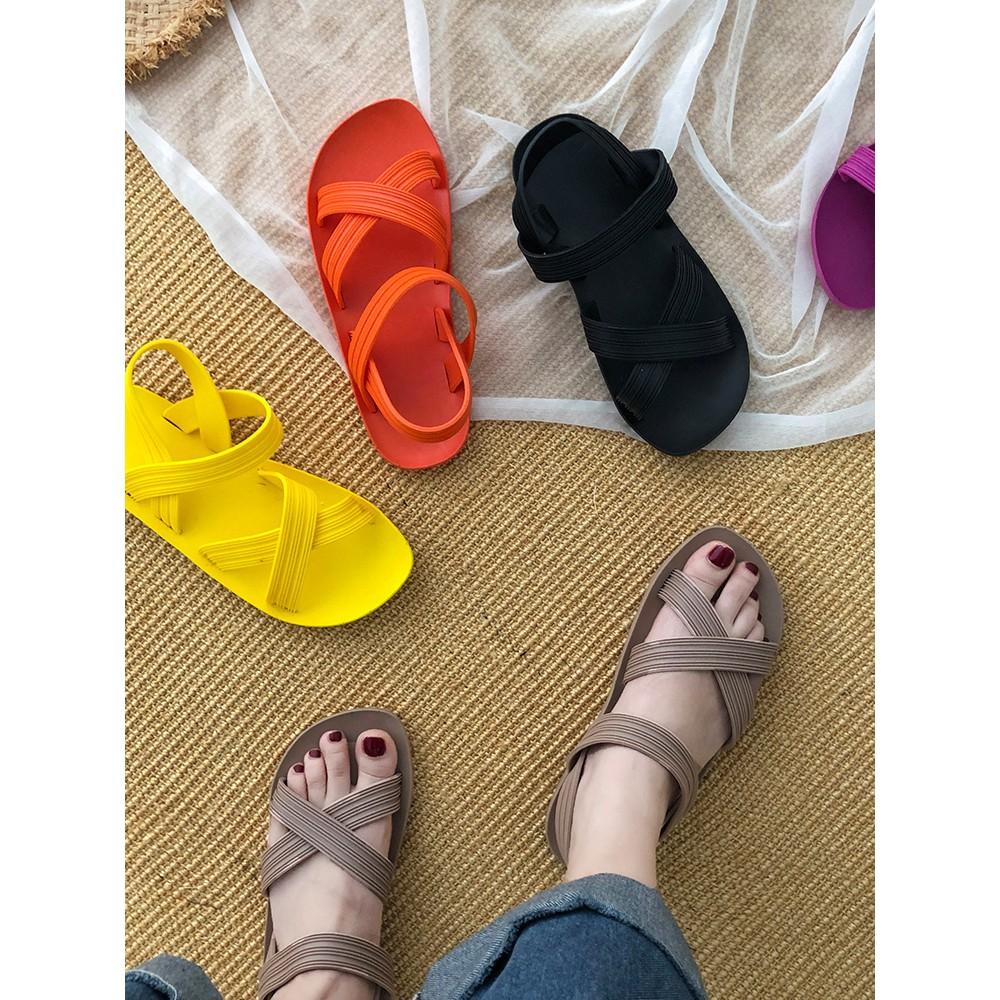 【จัดส่งฟรี】ันหยุดพักผ่อนริมทะเลกรุงโรมเวอร์ชั่นเกาหลีแบนของรองเท้าชายหาดป่าน้ำอิน