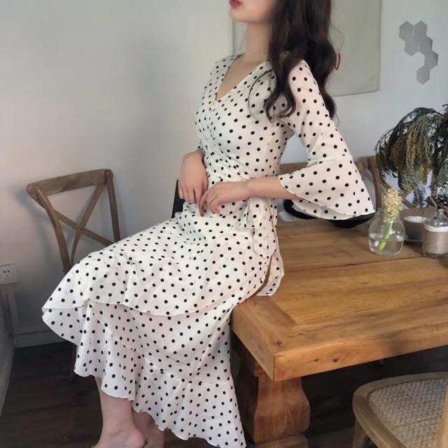 Váy chấm bi xếp ly