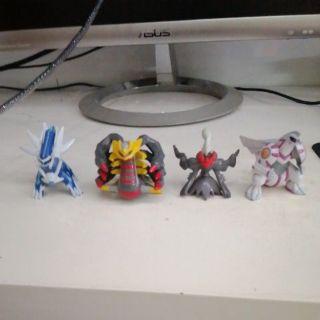 4 mô hình Pokemon tomy