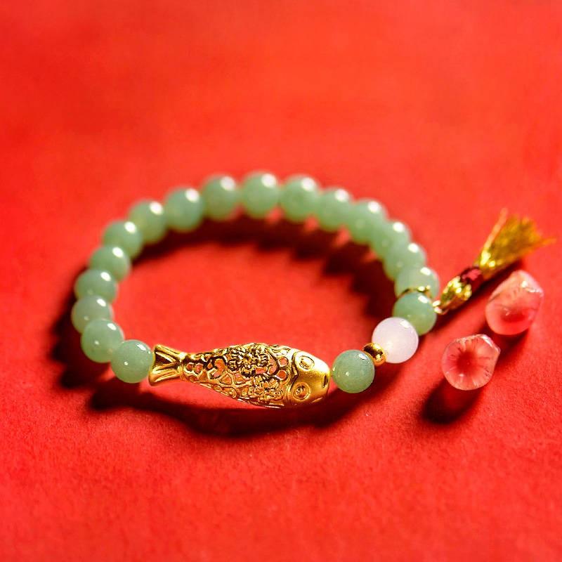 Yuchen การออกแบบเดิมหยกธรรมชาติปลาทองพู่สร้อยข้อมือกำไลหยกของขวัญ