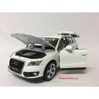 Mô hình xe AUDI Q5 1:32