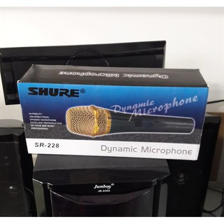 Micro có dây Sh.ur.e SR-228 thích hợp phục vụ cho karaoke gia đình chuyên nghiệp, hội họp quan trọng, thuyết trình...