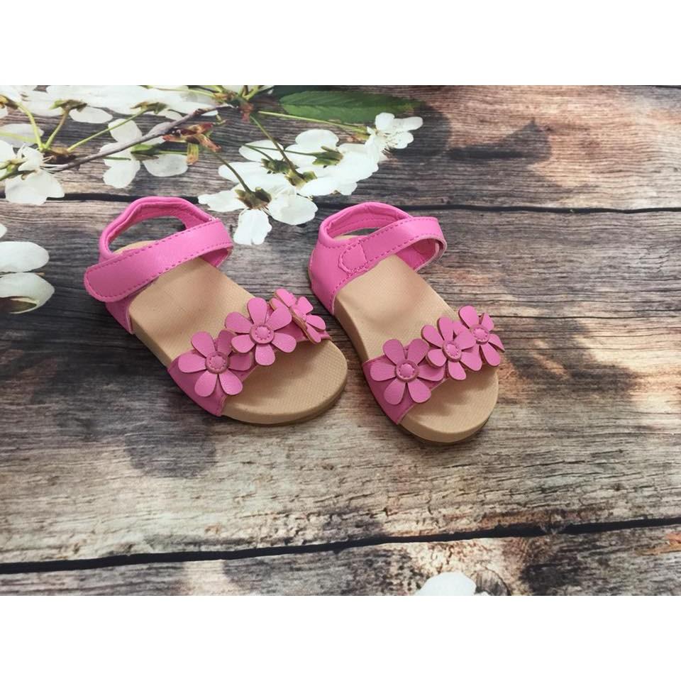 Dép sandal bé gái quai gắn hoa mẫu 2018 - 2677635 , 949531691 , 322_949531691 , 125000 , Dep-sandal-be-gai-quai-gan-hoa-mau-2018-322_949531691 , shopee.vn , Dép sandal bé gái quai gắn hoa mẫu 2018