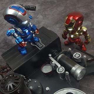 Mô hình Iron Man đèn led cảm ứng