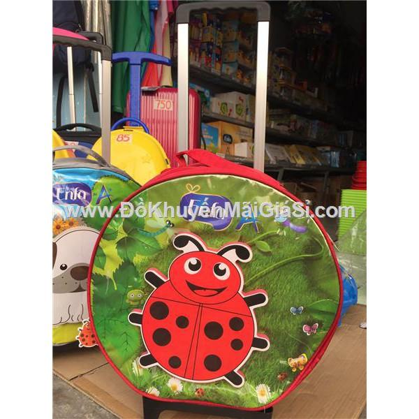 Vali kéo 3D Enfa tròn cho bé hình bọ cánh cứng màu đỏ - Kt: (36 x 13) cm. - 3091869 , 878833246 , 322_878833246 , 65000 , Vali-keo-3D-Enfa-tron-cho-be-hinh-bo-canh-cung-mau-do-Kt-36-x-13-cm.-322_878833246 , shopee.vn , Vali kéo 3D Enfa tròn cho bé hình bọ cánh cứng màu đỏ - Kt: (36 x 13) cm.