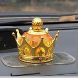 Bộ 1 Nước hoa ô tô vương miện HQ206027 70ml và 1 miếng dán đa năng (Vàng)