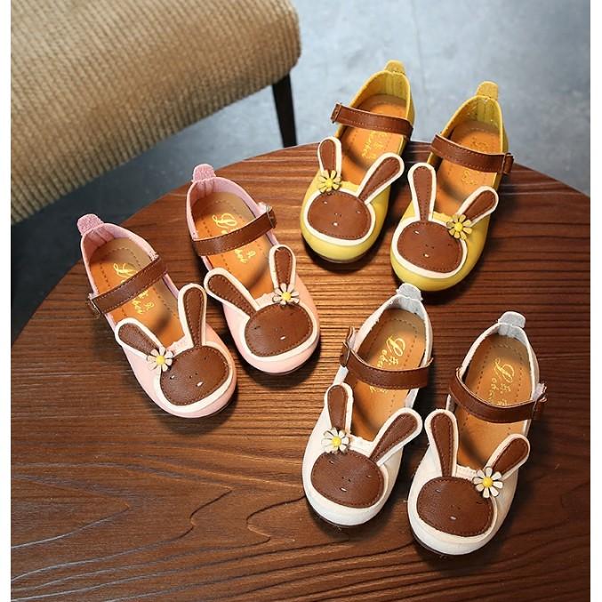 Giày búp bê bé gái hình con thỏ kiểu dáng xinh xắn đáng yêu - 3556213 , 1004574600 , 322_1004574600 , 140000 , Giay-bup-be-be-gai-hinh-con-tho-kieu-dang-xinh-xan-dang-yeu-322_1004574600 , shopee.vn , Giày búp bê bé gái hình con thỏ kiểu dáng xinh xắn đáng yêu