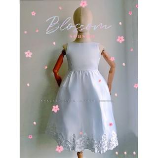 Đầm sát nách công chúa cao cấp, dạ hội, dự tiệc, bé gái 3 lớp voan kết ren phối lưới thêu hoa đính hột, màu trắng