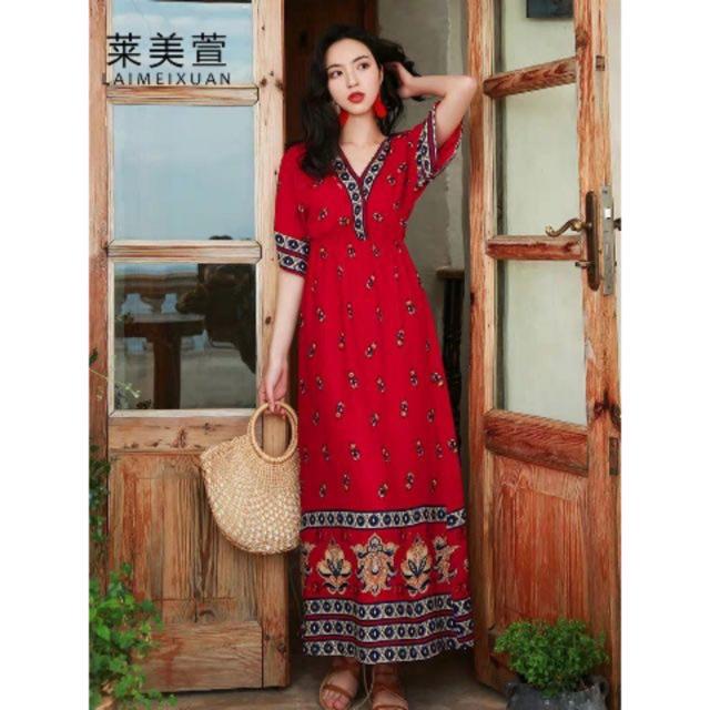 Váy maxi thổ cẩm đỏ