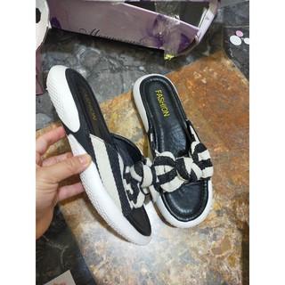 Sandal khoet eo