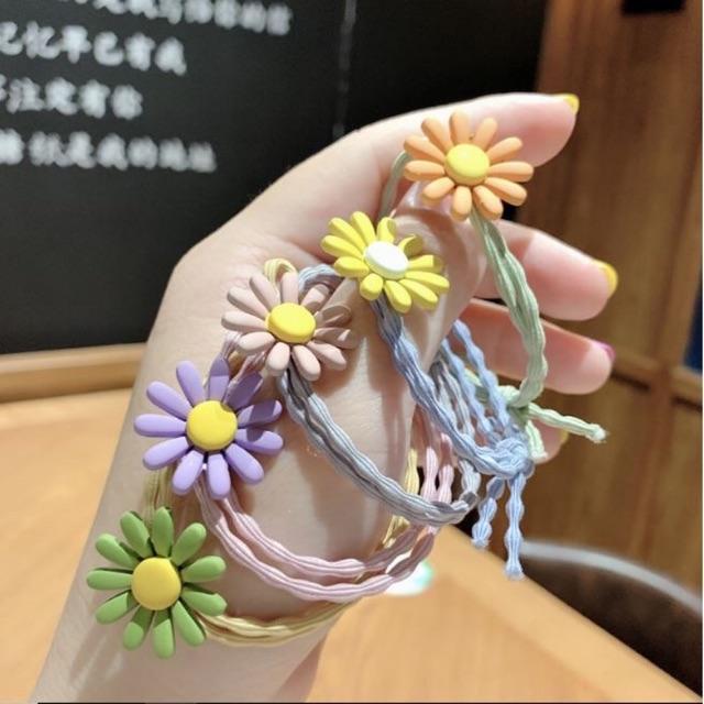 Chun buộc tóc hoa