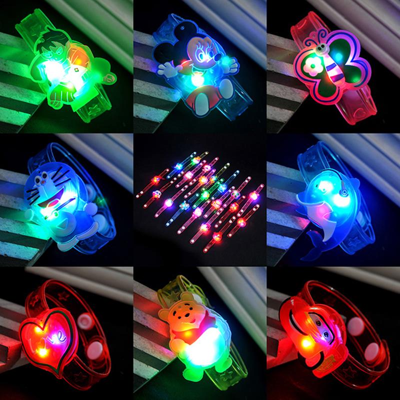 [Mã FASHIONCB73 hoàn 10K xu 50K] Đồng hồ đeo tay tích hợp đèn led thiết kế kiểu hoạt hình dễ thương cho bé