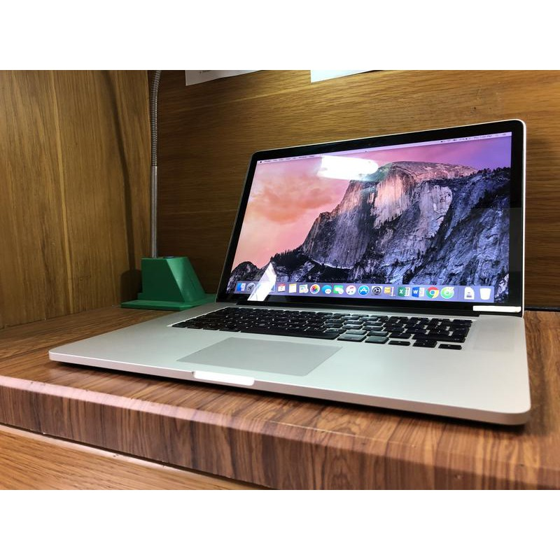 Macbook Pro Retina Core i7 - RAM 8GB - SSD 256 GB - 2 Card VGA .