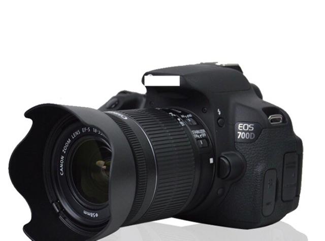 Loa che nắng EW-63C dành cho lens EF-S 18-55 STM