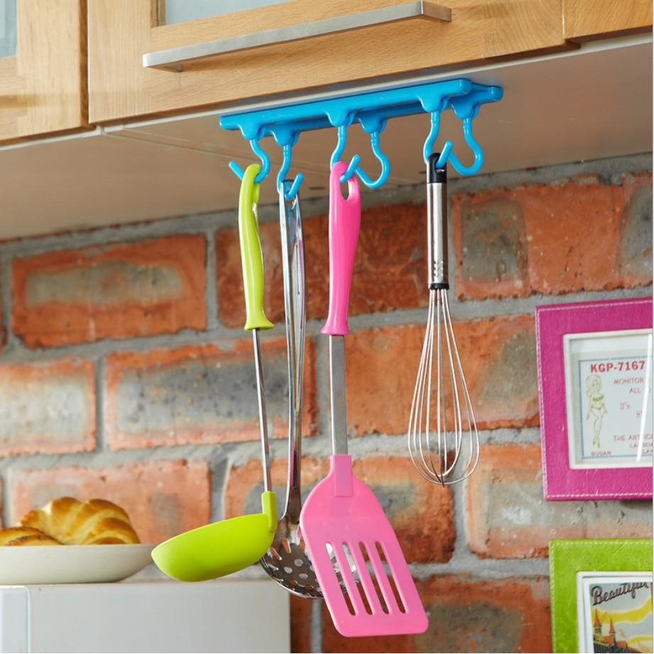 Móc dán úp ngược treo tủ bếp cực tiện dụng