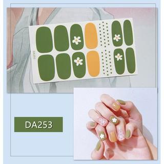 Nhãn dán trang trí móng tay với nhiều mẫu tùy chọn