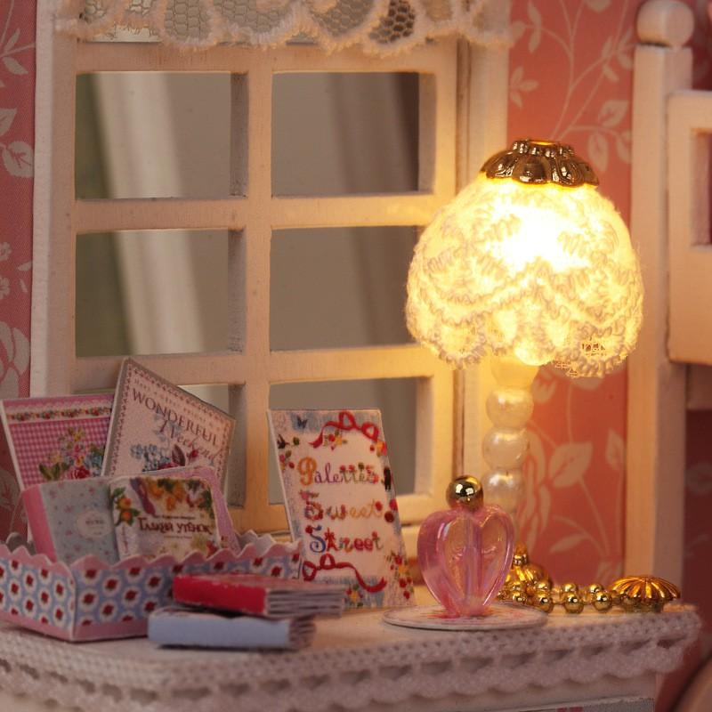 nhà búp bê mini có đèn led