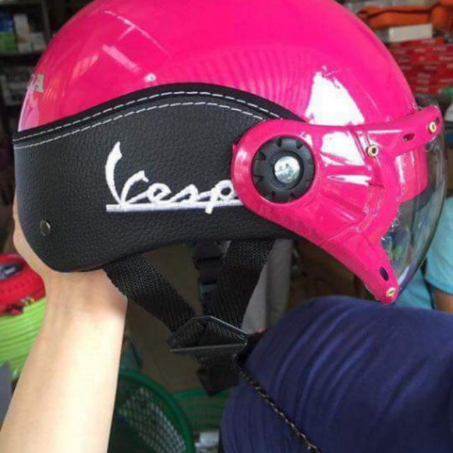 Mũ bảo hiểm xe máy..