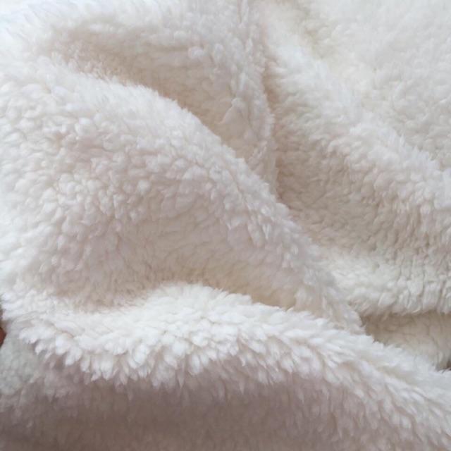 Vải lông cừu xù dày (4m) - 3265396 , 886062971 , 322_886062971 , 200000 , Vai-long-cuu-xu-day-4m-322_886062971 , shopee.vn , Vải lông cừu xù dày (4m)