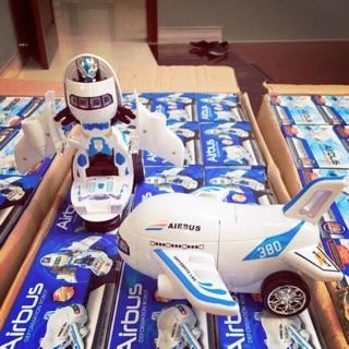 Bộ đồ chơi máy bay biến hình robot