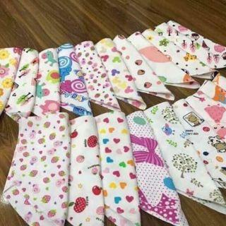 Combo 10 khăn tam giác quàng cổ cho bé