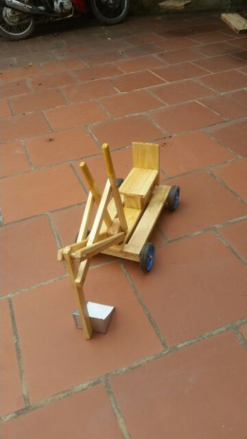 Xe múc trẻ em handmade. Giúp trẻ vận động linh hoạt tay chân, phù hợp với trẻ từ 3 -...