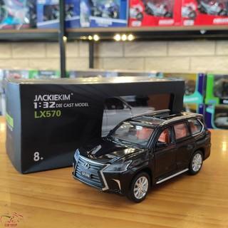 Mô hình xe ô tô Lexus LX570 tỉ lệ 1:32 màu đen