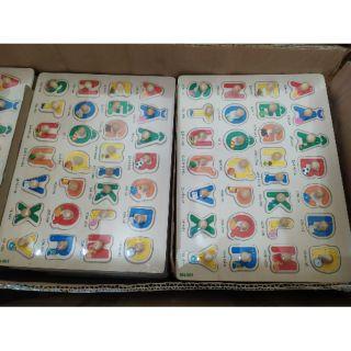 Bảng học chữ Tiếng Việt gỗ có núm cho bé