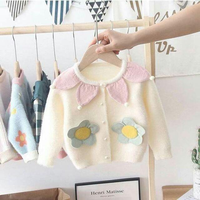 Áo khoác len lông cao cấp cổ cánh hoa cho bé